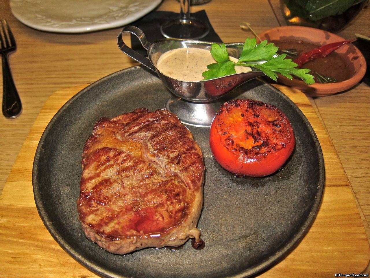 Запеченная картошка с грибами мясом и сыром в духовке рецепт с фото