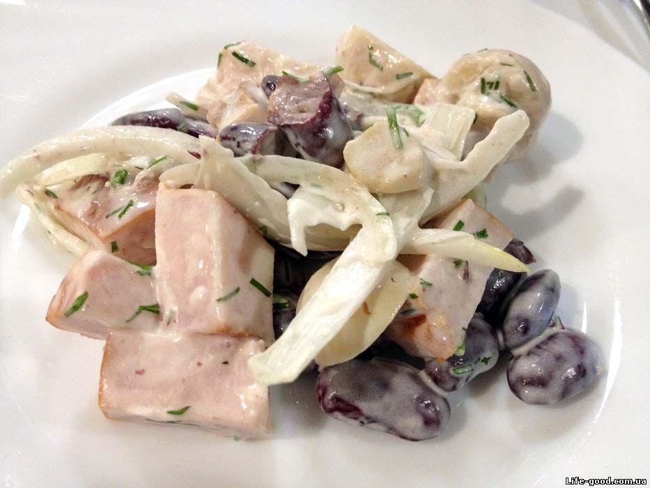 как приготовить салат из курицы копченой