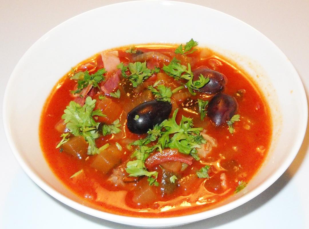 Рецепт с фото солянка с колбасой суп