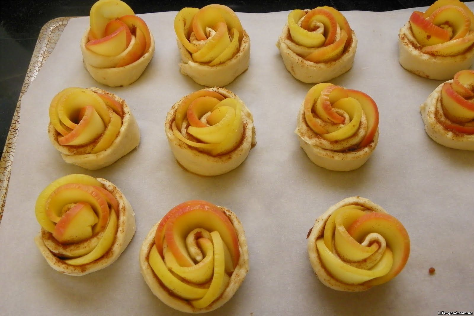 Булочки с яблоками в духовке пошаговый рецепт